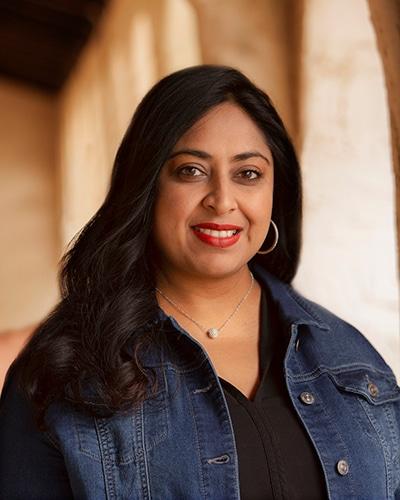 Radhika Savoy Headshot